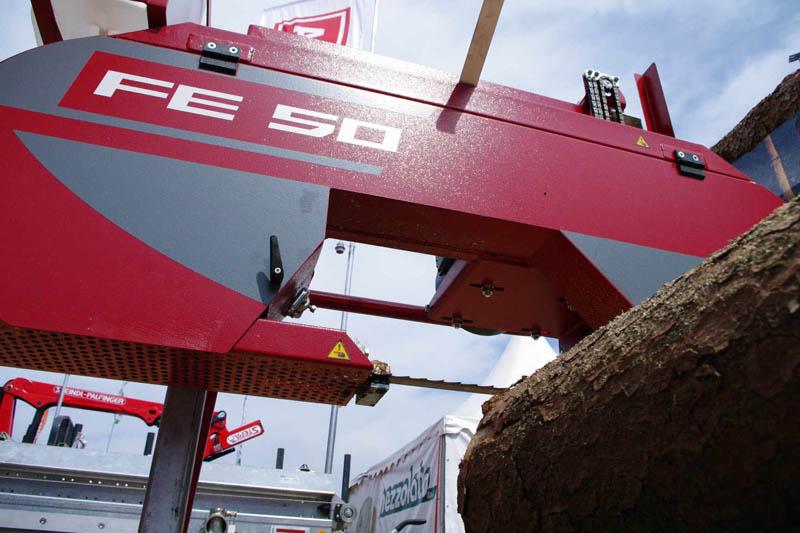 Instalatie de debitare busteni cu panza panglica orizontala - Model FE 50
