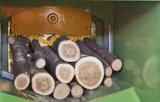 Linie despicat lemn foc lemn subtire