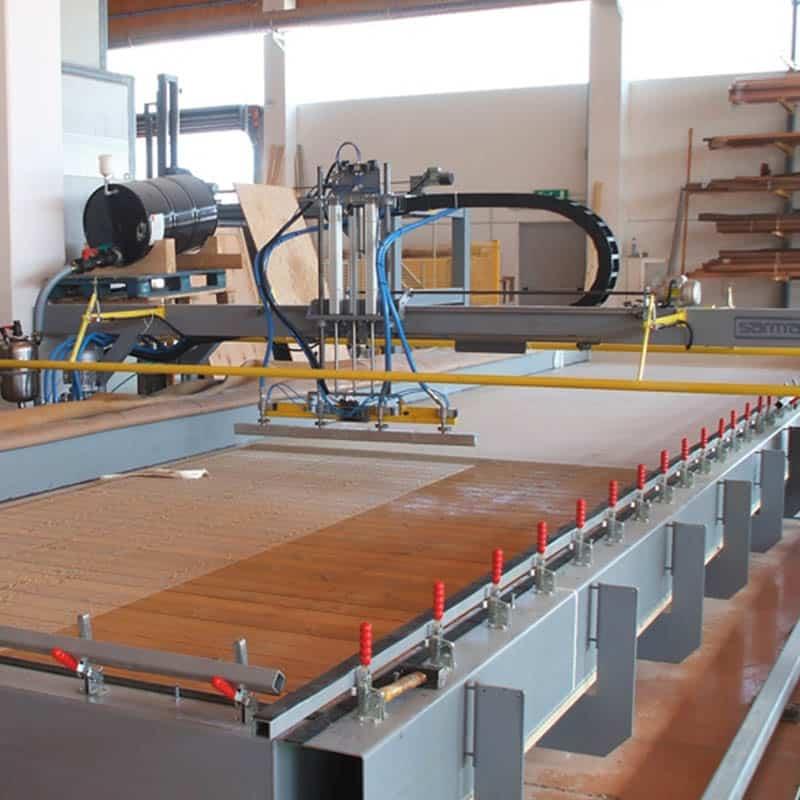 Presa panouri lemn X-LAM cu membrana