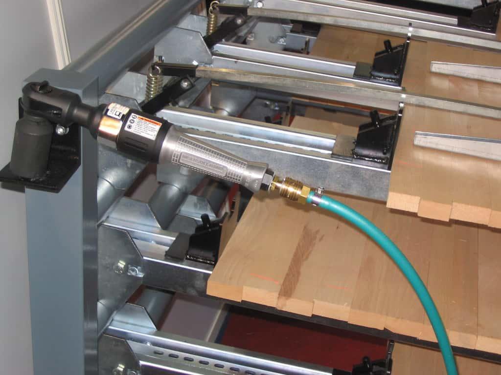 Presa lemn cu sistem de strangere pneumatica - Trimwex