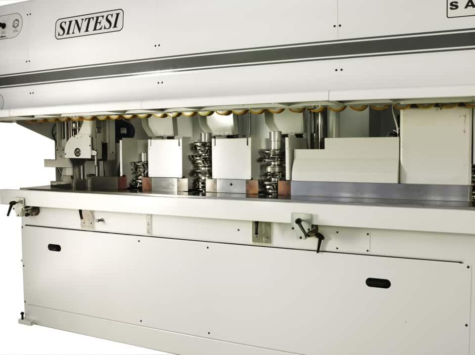 CNC unghiular pentru ramă fereastră lemn - Saomad Sintesi (2)