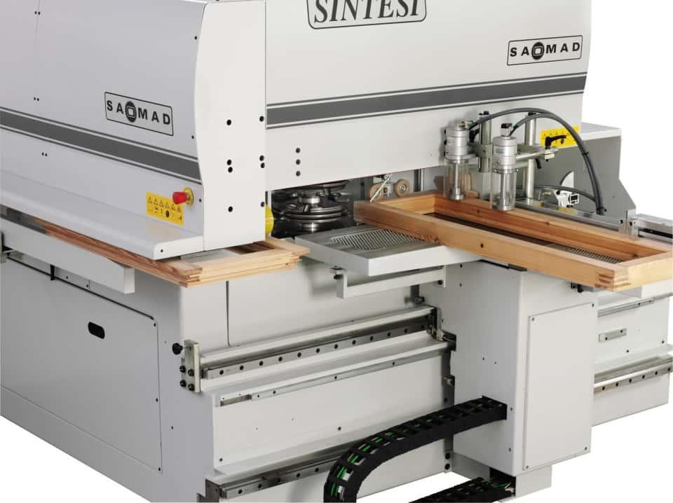 CNC unghiular pentru ramă fereastră lemn - Saomad Sintesi