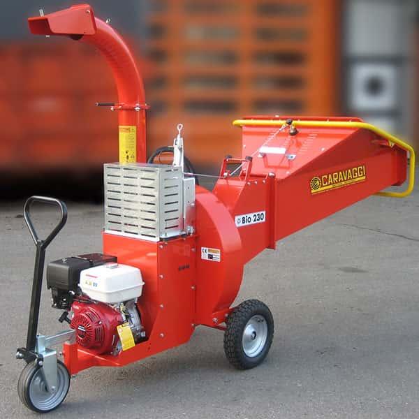 Tocator crengi masina pentru tocat crengi si alte resturi din lemn cu motor electric sau pe benzina.