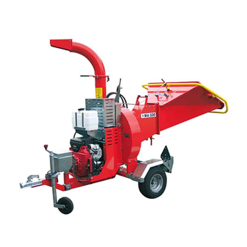 Tocator crengi (masina pentru tocat crengi) si alte resturi din lemn cu motor electric sau pe benzina.